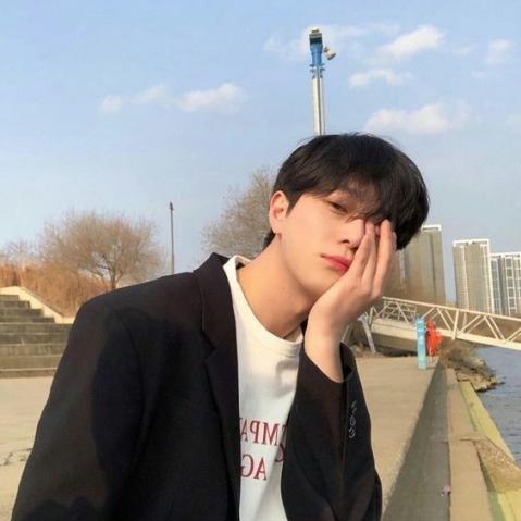Nhung bo anh toc dep cho nam giong sao Han Quoc xu huong 2019