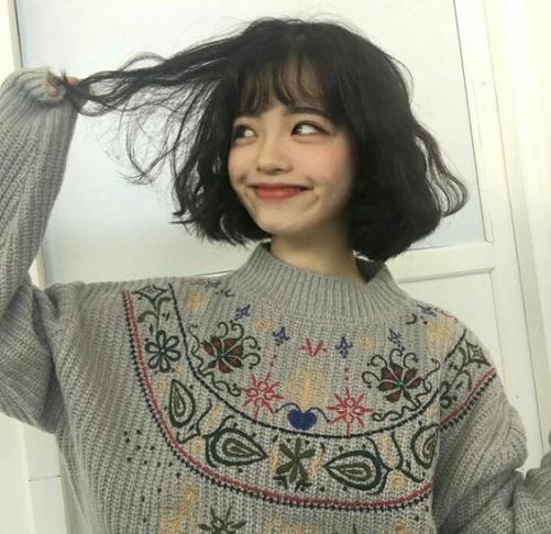 Chọn và lọc 5 kiểu tóc nữ ngắn được uốn xoăn sóng nước đẹp thể hiện cá tính