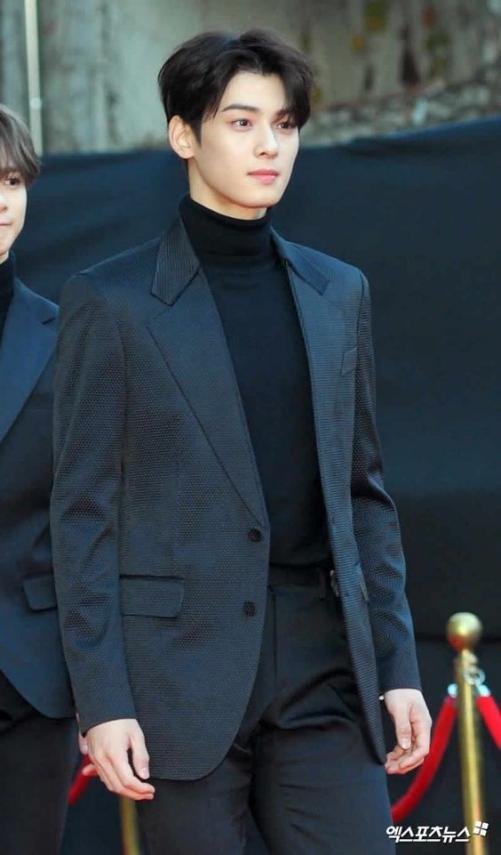 TOP 5 phong cách kiểu tóc 2 mái đẹp nhất cho nam Hàn Quốc được yêu thích