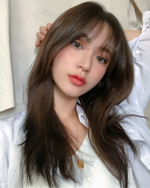 Kiểu tóc nữ mái thưa phù hợp mọi khuôn mặt đẹp nhất 2019