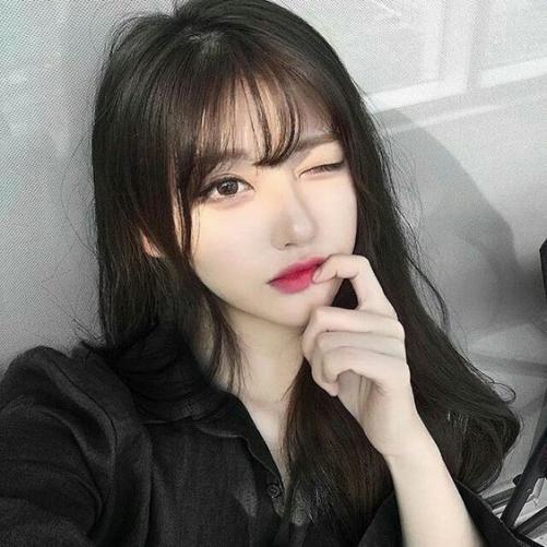 Album hình ảnh mẫu tóc nữ mái thưa đẹp nhất 2019