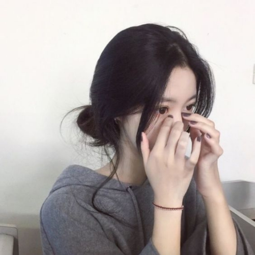 Các kiểu tóc ngắn phù hợp cho nữ khuôn mặt tròn dễ thương