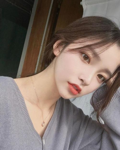 Bộ sưu tập tóc rẽ ngôi nữ Hàn Quốc đẹp ngây ngất cánh đàn ông