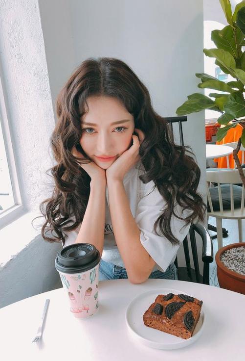 Chọn lọc các kiểu tóc rẽ ngôi nữ Hàn Quốc đẹp mê ly