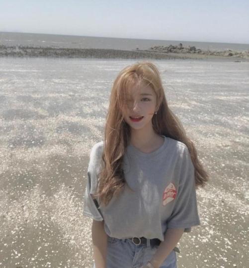 Các phong Cách tóc Hàn Quốc mái dài cho phụ nữ quyến rũ