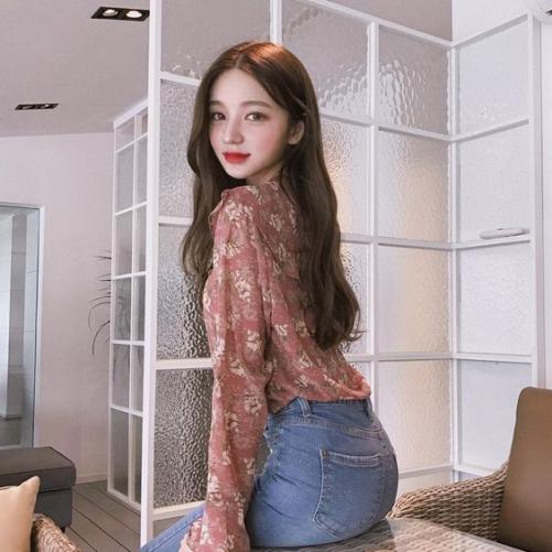 Đẹp xinh cùng với 5 mẫu tóc Hàn Quốc mái dài cho nữ cá tính