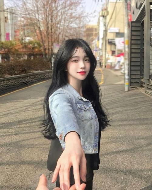 Tạo mẫu tóc Hàn Quốc mái dài cho nữ quyến rũ