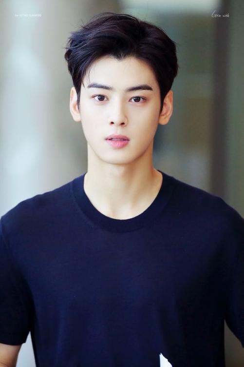 Các phong cách tóc đẹp như Hàn Quốc cho nam khuôn mặt tròn mới nhất