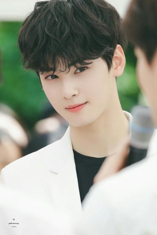 Chọn lọc toàn bộ kiểu tóc đẹp như Hàn Quốc cho nam khuôn mặt tròn thể hiện khí chất