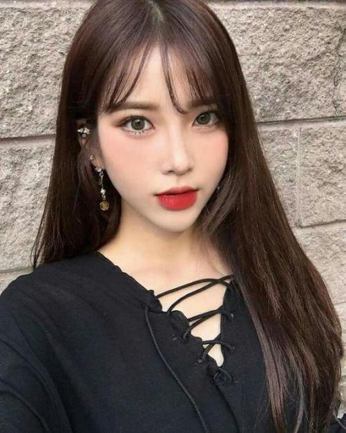 Những kiểu tóc nữ mái thưa cho gương mặt dài và gầy đẹp như sao Hàn Quốc