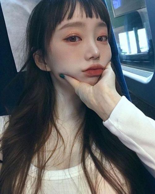 Cách cắt tóc mái bằng cho nữ đẹp như Hàn Quốc siêu kute