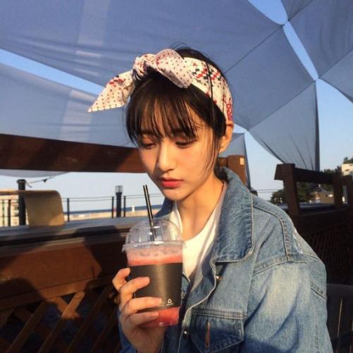 Cá tính cùng kiểu tóc mái bằng cho nữ đẹp mê ly như Hàn Quốc