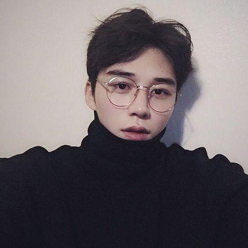 Tin tức những kiểu tóc nam Hàn Quốc cho gương mặt tròn thêm phần phong độ
