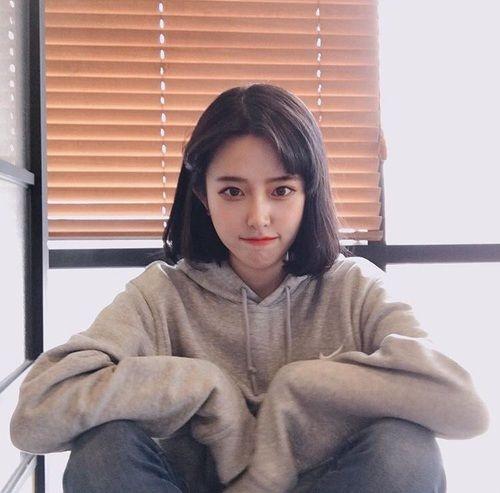 Phong cách kiểu tóc ngang vai Hàn Quốc đẹp dễ thương