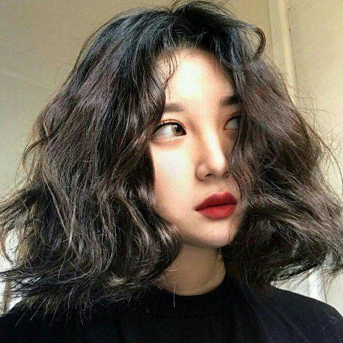 Kiểu tóc uốn xoăn tóc ngắn Hàn Quốc đẹp nhất 2019