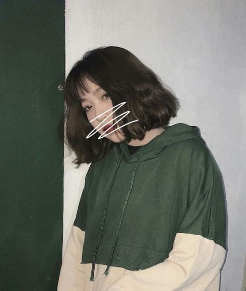 Cách tạo kiểu tóc nữ mái ngắn uốn xoăn xù được phái đẹp chú ý nhất hiện nay