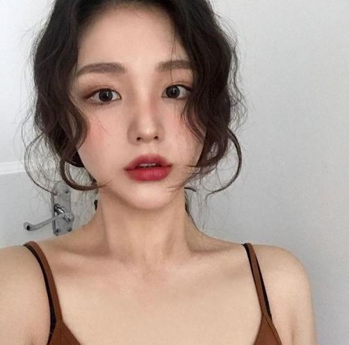 Style tạo kiểu tóc Hàn Quốc cho phụ nữ đẹp xu hướng ngày nay