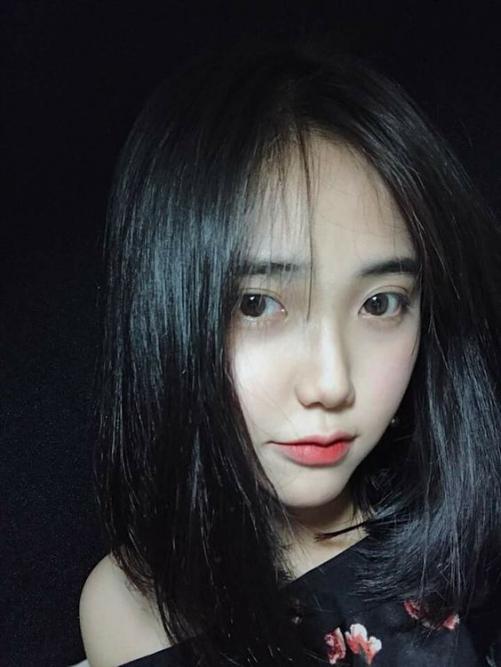 Các phong cách tóc ngắn ngang vai cho nữ mặt tròn mới nhất 2019