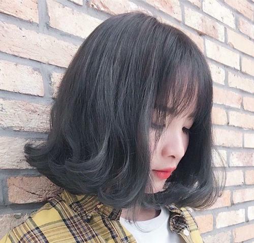 Kiểu tóc ngắn xoăn nhẹ đẹp - mẫu số 11