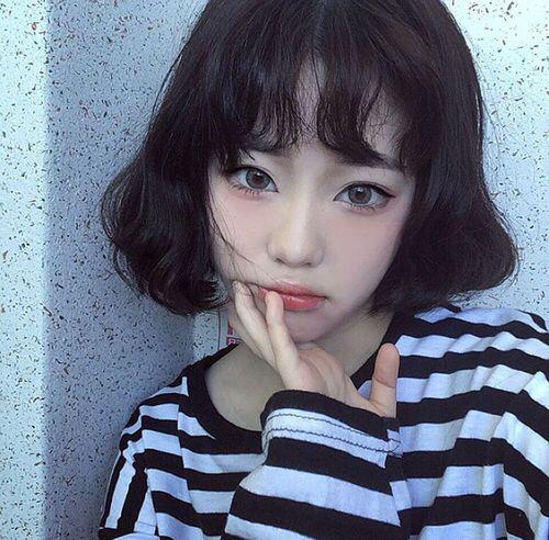 Kiểu tóc ngắn xoăn nhẹ đẹp - mẫu số 6