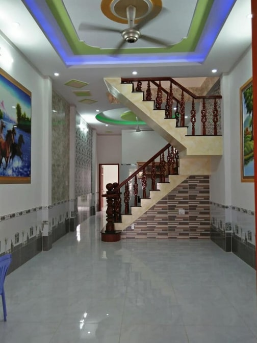 Phòng khách hiện đại nhà mặt tiền trung tâm y tế dĩ an