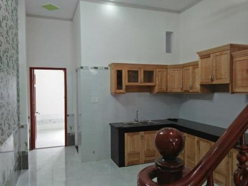 Tủ bếp đẹp nhà mặt tiền trung tâm y tế dĩ an