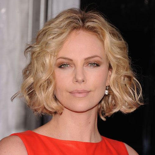 Centered relaxed bob hairstyles