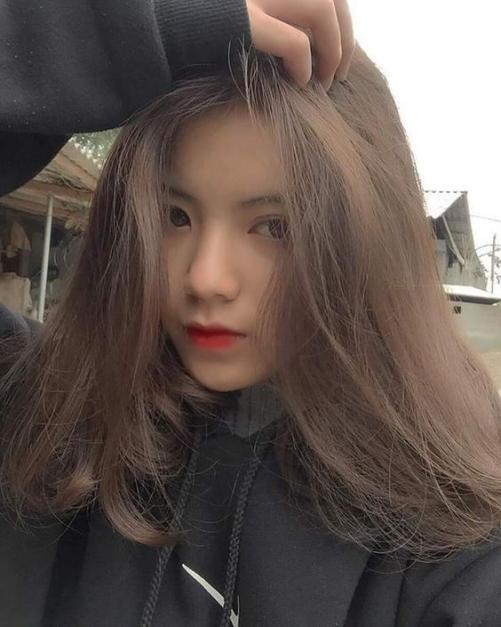 Nhuộm tóc màu nâu tây highlight đẹp