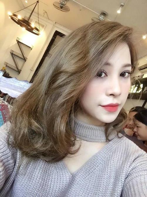 Nhuộm tóc màu nâu tây móc lai đơn giản