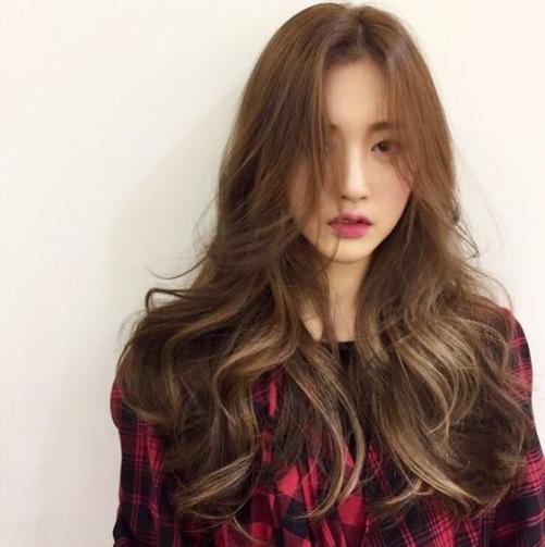 Nhuộm tóc màu nâu tây trầm đẹp