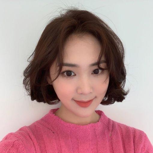 Xu hướng tóc ngắn uốn phồng đẹp nhất hiện nay
