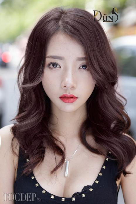 Tạp chí thời trang tóc ngang màu đỏ tím đẹp nhất số 4