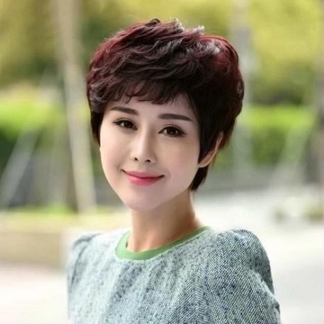 Các kiểu tóc tém màu đỏ tím đẹp số 4