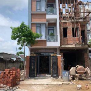 Bán nhà ngay trung tâm Phường Đông Hòa.