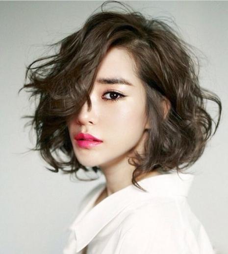 Những mẫu tóc tém Uốn Xoăn đẹp nhất hiện nay - Hình 4