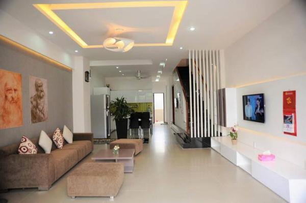 không gian nội thất phòng khách nhà ống 3 tầng đẹp