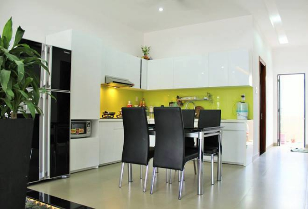 không gian nội thất nhà bếp nhà ống 3 tầng đẹp