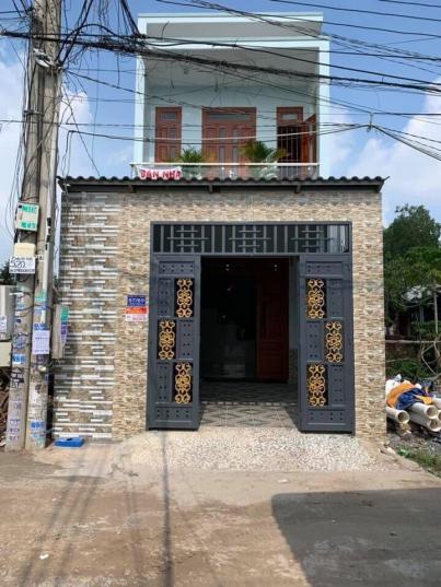 Bán nhà 1 lầu 1 trệt thiết kế đẹp cách Chợ Tân Long chỉ 300m - Hình 1